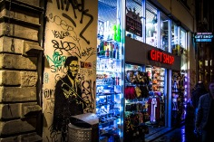 Amsterdam graffiti by night - gift shop