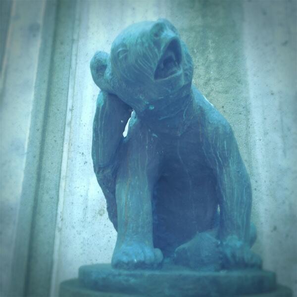 Alexader Kiellands Plass Bear statue in oslo