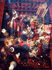5th avenue shopping window