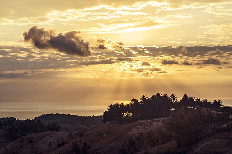 beach horizon sunset - port salut - haiti