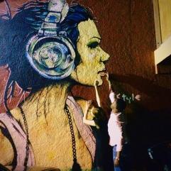 reach the paintd girl