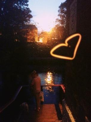 summer night walk: wanna feed the ducks?
