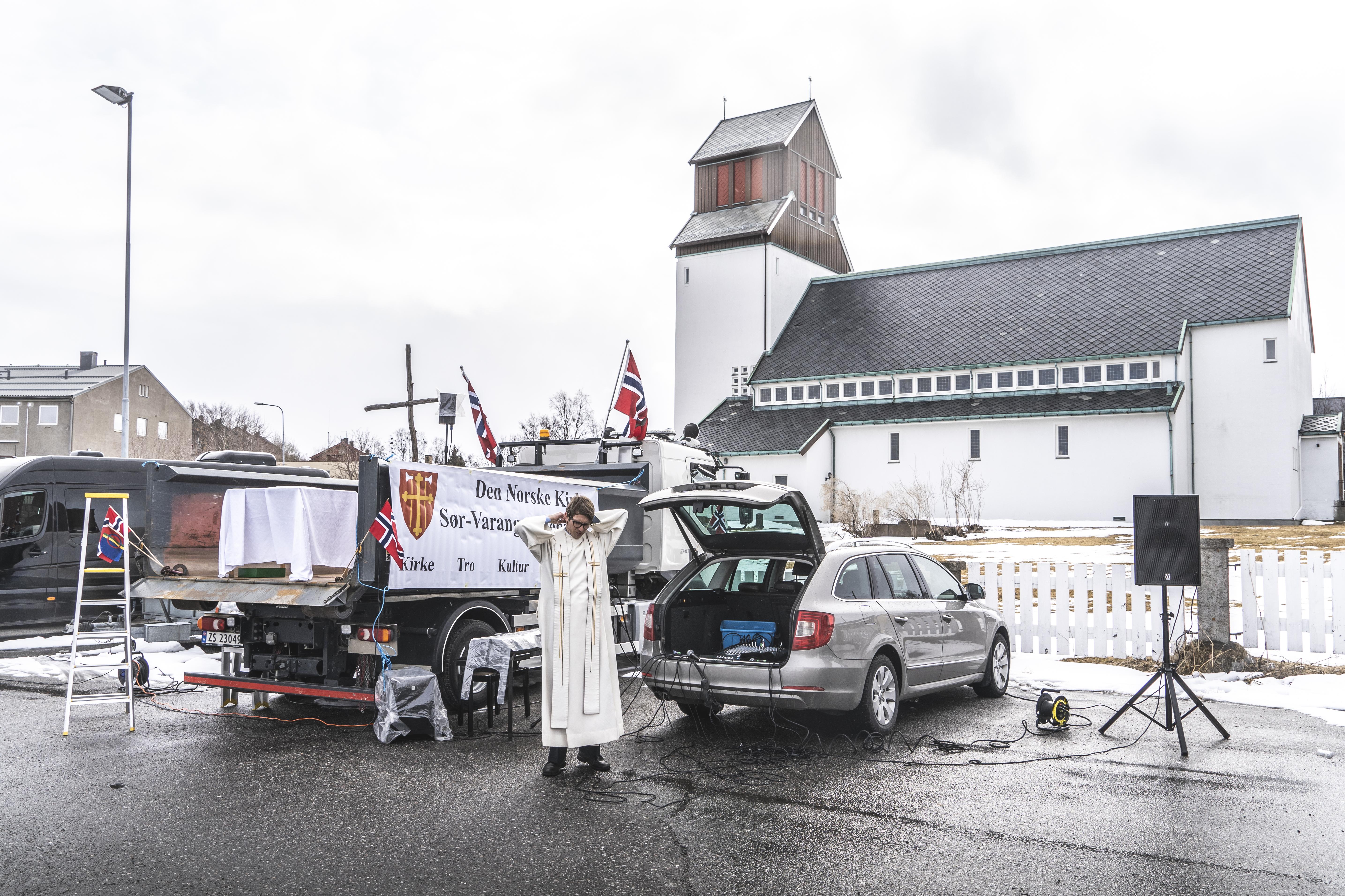 Drive-in church in Kirkenes 1705.2020